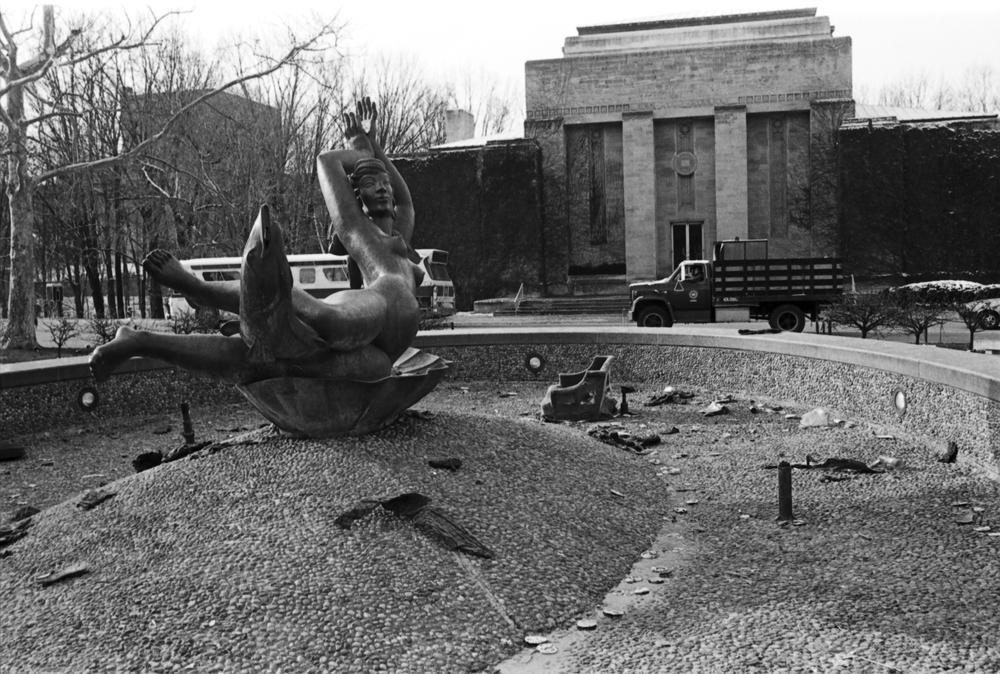 The aftermath of the post-game celebration at Showalter Fountain on the IU campus. Notice the fish are missing from the fountain. Photo: courtesy of Indiana University Archives